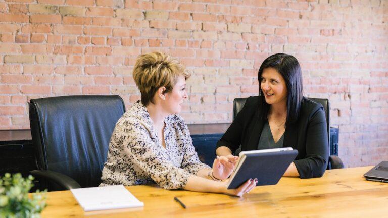 Odpowiedz na te 5 pytań i zdecyduj czy powinieneś skorzystać z outsourcingu obsługi czatu